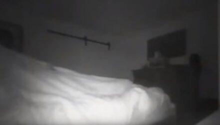 Призрак, преследующий отца семейства, попал в объектив камеры видеонаблюдения