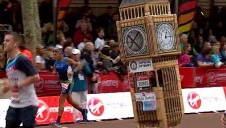 «Башня с часами», принявшая участие в марафонском беге, не смогла финишировать без посторонней помощи