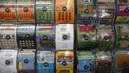 Выигрыш в лотерею стал для счастливицы приятным подарком на годовщину свадьбы