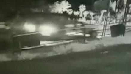 Родители даже не заметили, что их годовалая дочь выпала из машины
