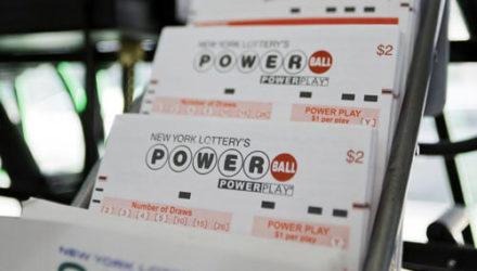 Счастливчик убедился, что к лотерейным билетам нужно относиться очень внимательно