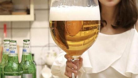 Выяснилось, что бокал вина может быть очень большим