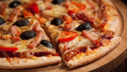 Полицейский уверен, что пиццу необязательно доставлять за полчаса