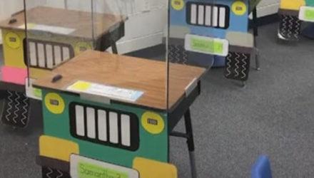 Дети, вернувшиеся в школу, усядутся не за парты, а в забавные машинки