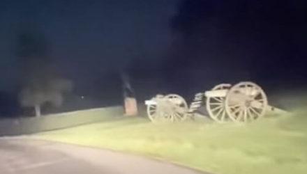 Место исторической битвы посетили два призрака