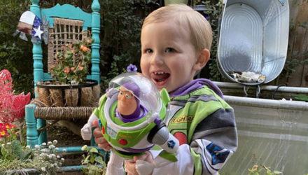 Добряк помог мальчику воссоединиться с игрушкой, забытой в самолёте