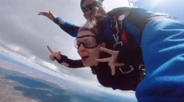 Предложение руки и сердца было сделано во время прыжка с парашютом