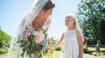 Невеста решила нарядить падчерицу в корректирующее бельё
